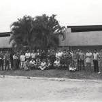 Funcionários da IU em frente ao Prédio